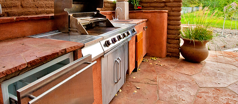 Backyard Outdoor Kitchen in Lake Norman, NC