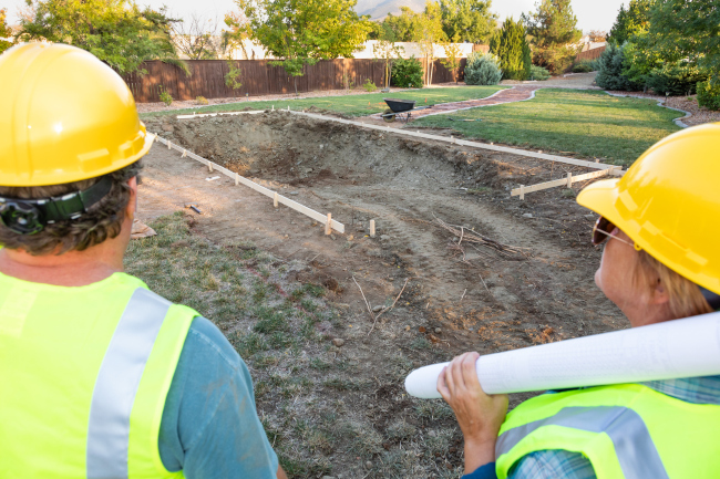 Finding the Right Pool Builder for You
