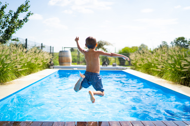 Advantages of Choosing Vinyl Pools