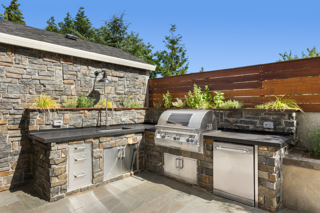 Why Every Home Deserves an Outdoor Kitchen
